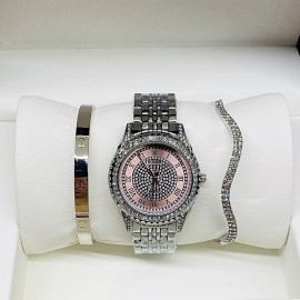 Наручные часы Rolex И ДВА МЕТАЛЛИЧЕСКИХ БРАСЛЕТА CWC839