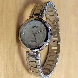 Женские наручные часы Gucci CWCR012