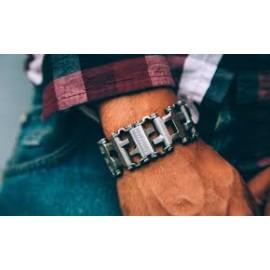 Металлические браслеты на руку