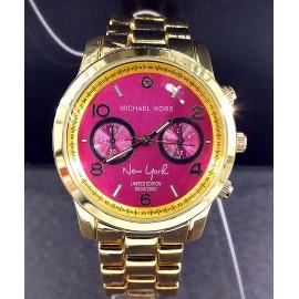 Женские наручные часы Michael Kors CWC992