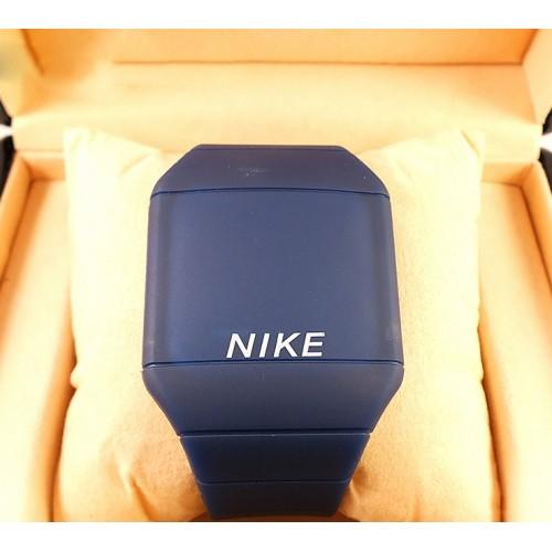 Спортивные часы Nike Touch Screen CWS071