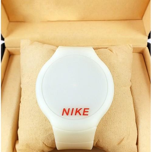 Спортивные часы Nike Touch Screen CWS098