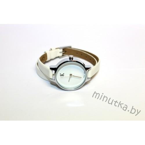 Часы с двойным ремнем Calvin Klein CWD007